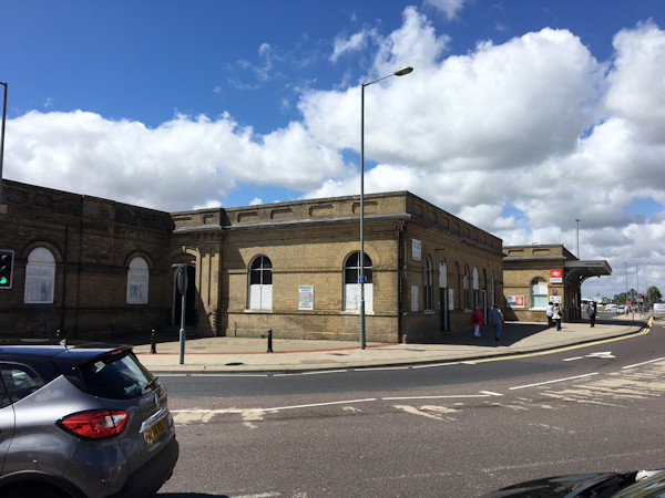 Lowestoft station parcels office