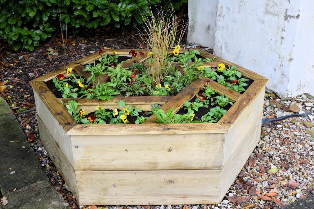 Westerfield hexagonal planter - October 2020